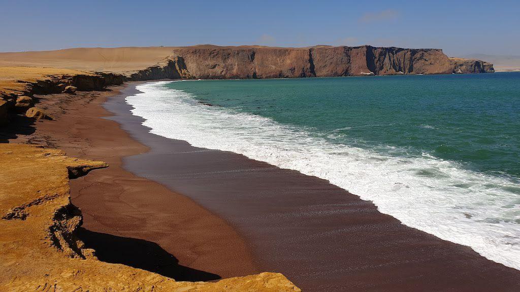 plage rouge Reserva Nacional de Paracas