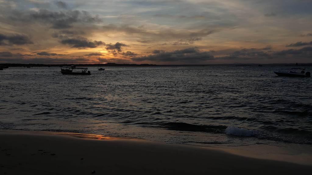 Coucher du soleil sur la plage Gamboa